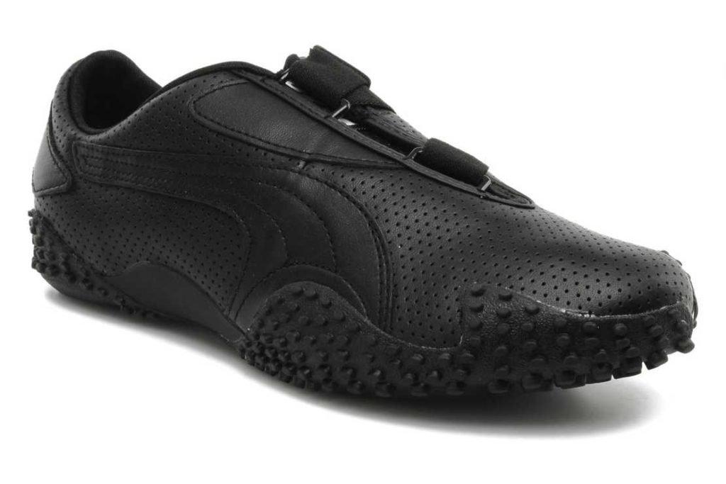 Компания Puma (Пума) выпускает новую модель бутс Монстро (Monstro) сочетающие прорезиненные шипы в подошве и кожаный верх для любителей моды и стиля.